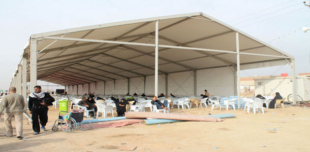 & Imam Hussein holy shrine installs a huge tent on Najaf-Kerbala road