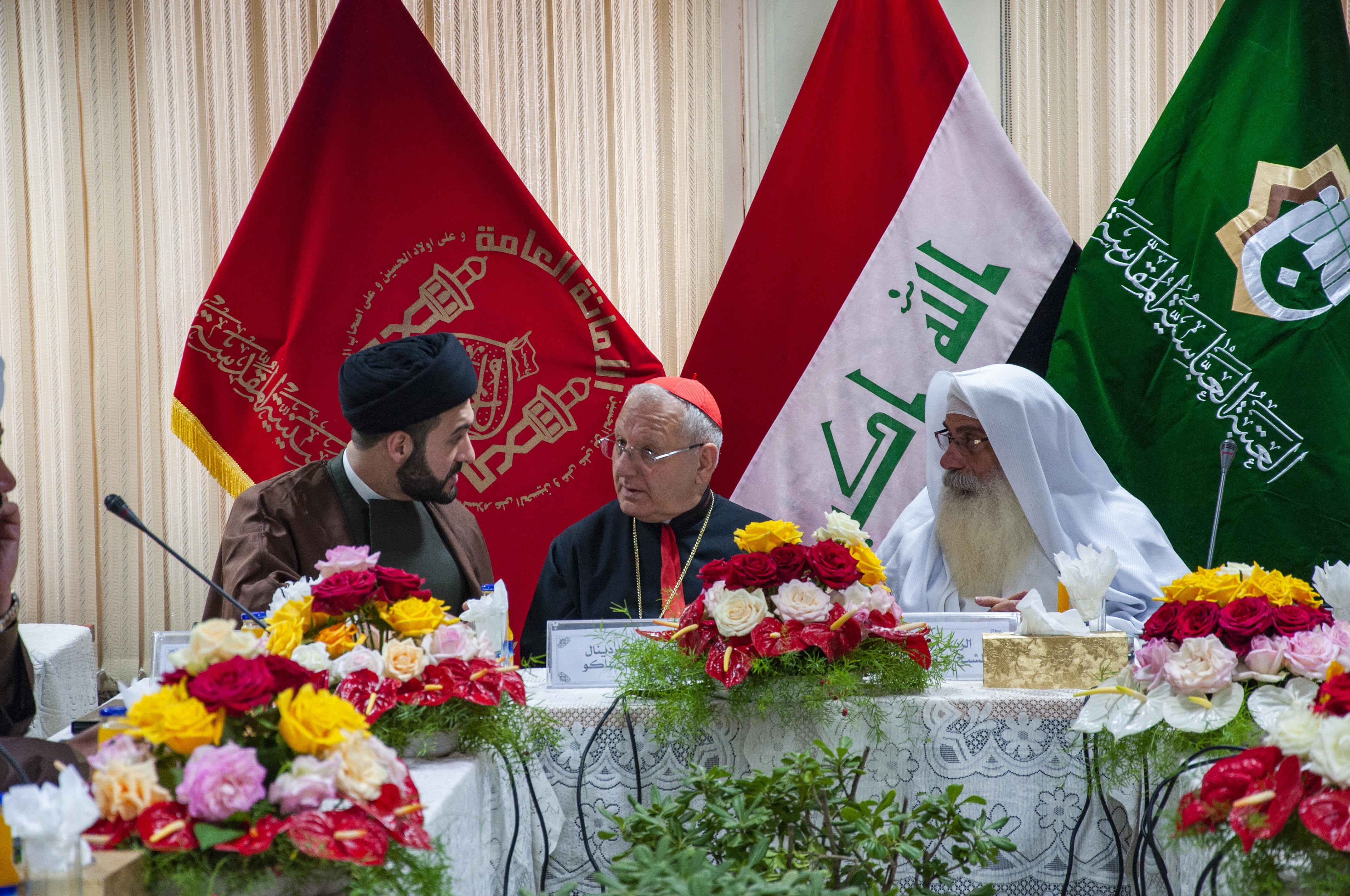 زعماء الطوائف الدينية يجتمعون في كربلاء.. ورسالة من مرقد الامام الحسين للرئاسات الثلاث