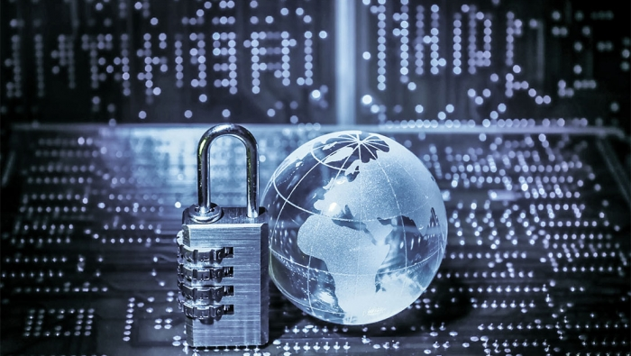 الجريمة الإلكترونية.. تبدأ بابتزاز وتنتهي بالقضاء!
